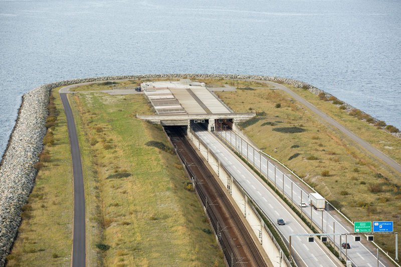 oresund-bridge-tunnel-3.jpg